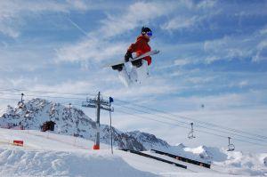 1152733_snowboard_jump_2